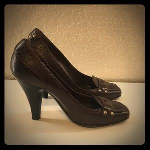 FIRM Brown Burberry Heels Size 38